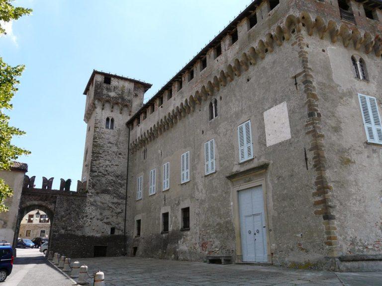 Lerma cortile castello